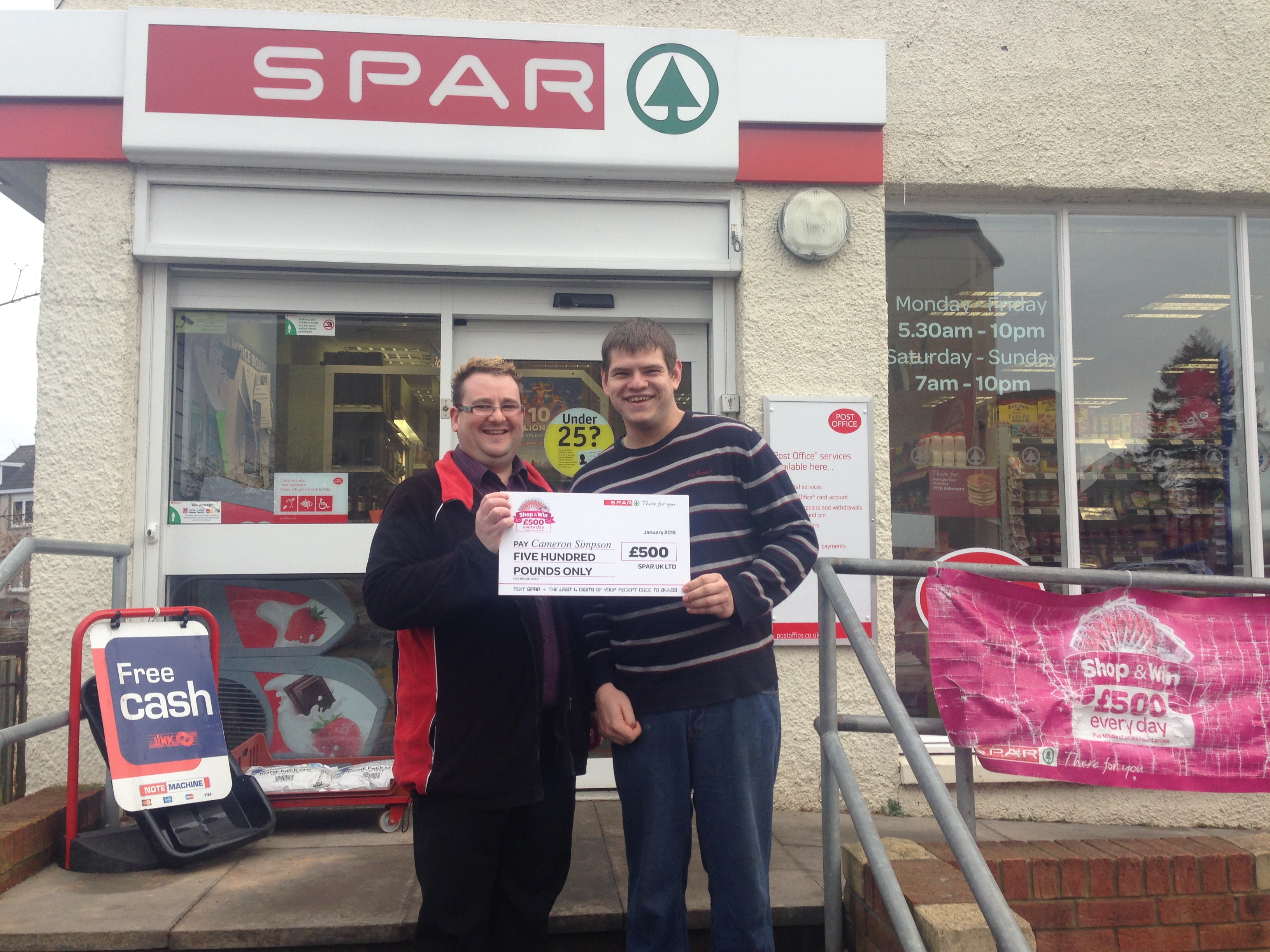 Camerson Simpson receives cheque for £500
