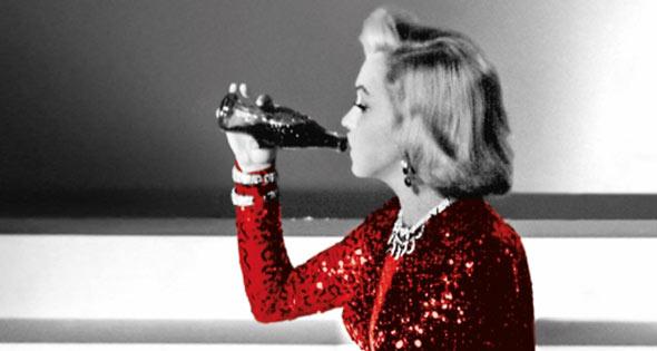 Marilyn Monroe drinking Coke