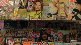 Newsagents' magazine display