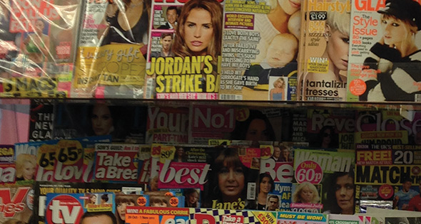 Newsagents' magazine display