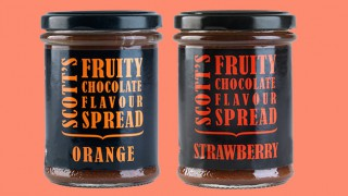 R&W Scott's fruity chocolate flavour spreads
