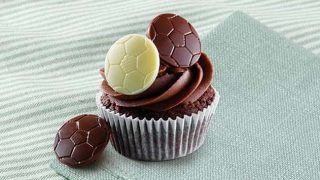 Cupcake with Dr Oetker chocolate balls