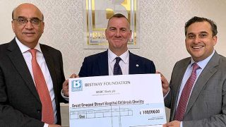 £100,000 cheque for Great Ormond Street