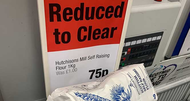 Flour reduced to clear