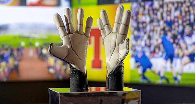 David Marshall's goalkeeping gloves