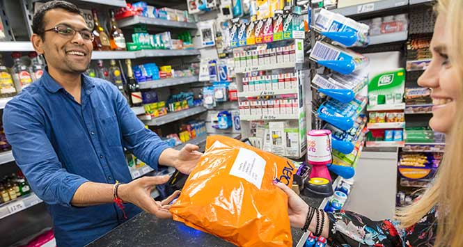 Retailer accepting parcel